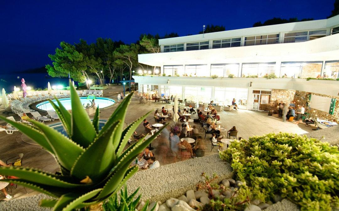 Ljeto u Hrvatskoj: Adriatiq Resort Fontana 2*/4*, Jelsa, Hvar
