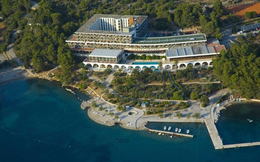 Posebna ponuda: otok Hvar, Stari Grad – hotel Arkada 2*