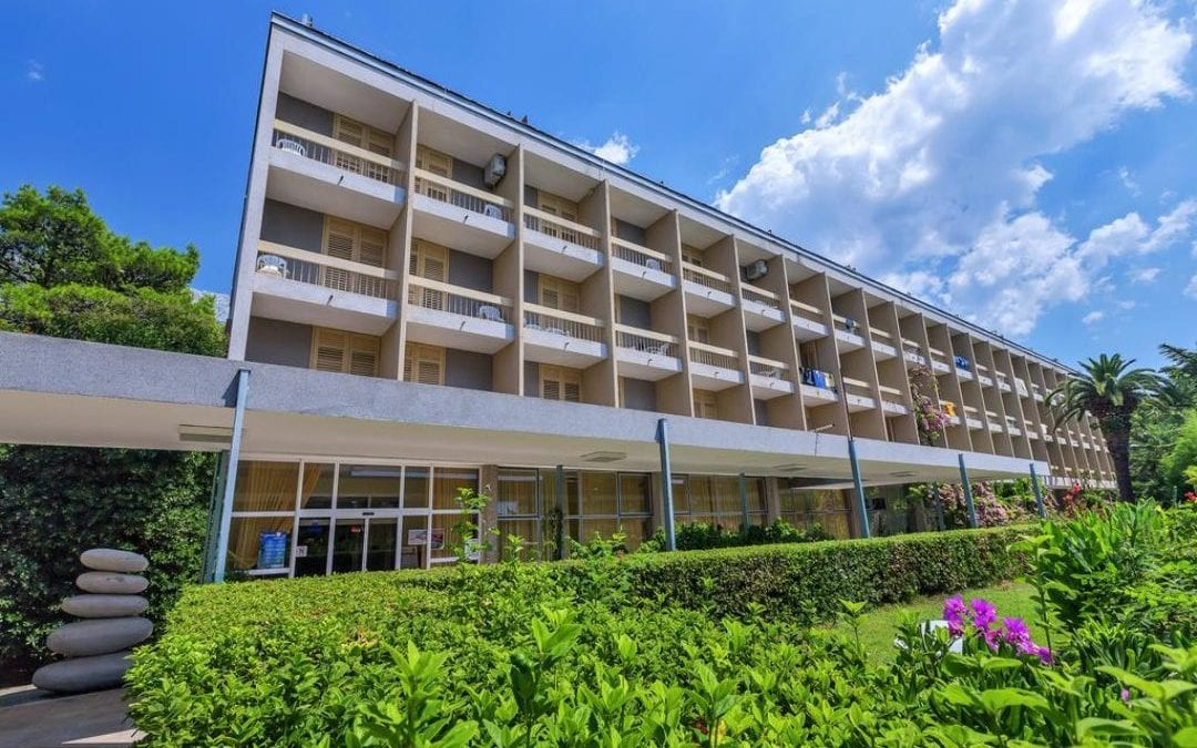 Ljeto u Hrvatskoj: Baško Polje – hotel Alem 2*