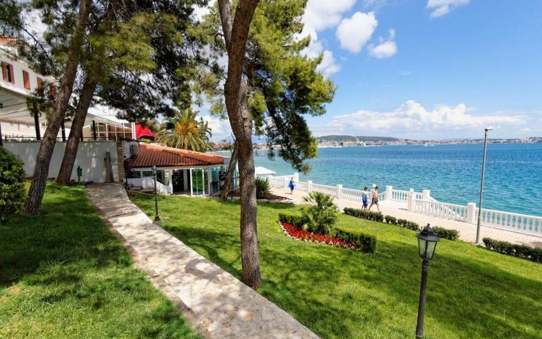 Ljeto u Hrvatskoj: Trogir, Seget Donji – hotel Jadran 3*