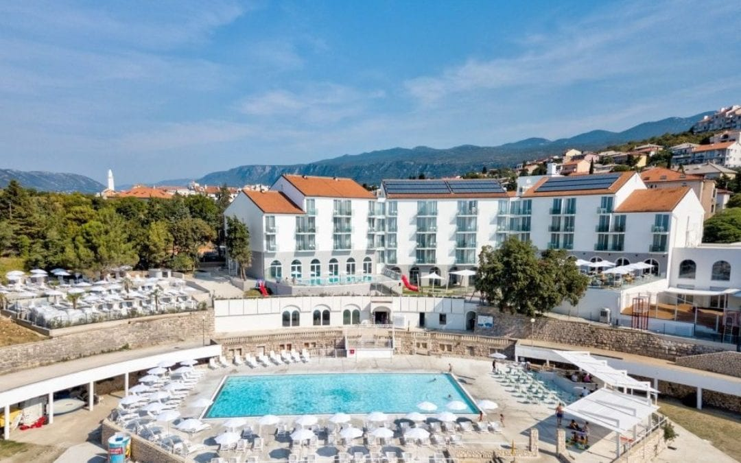 Ljeto u Hrvatskoj: Novi Vinodolski – hotel Lišanj 4*