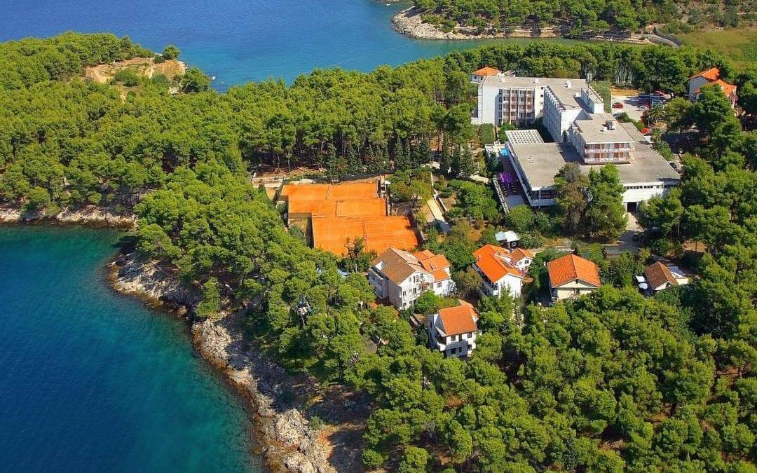 Ljeto u Hrvatskoj: otok Hvar, Jelsa – hotel Hvar 3*