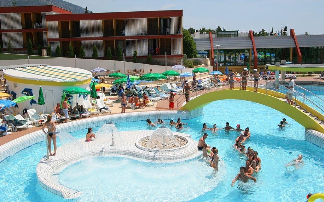 Ljeto u Hrvatskoj: otok Brač, Bol – Bluesun Holiday Village Bonaca